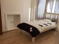 LARGE single room to rent £450 (Incl. Bills!)