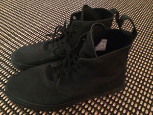Brand new black Boots 12