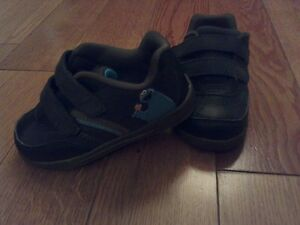 Baby Boy Shoes -Cookie Monster- (Size 6)