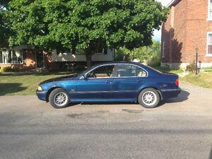 2000 BMW 5-Series 528iA Sedan