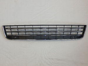 VW TOUAREG 2011-2014 FRONT BUMPER CENTER GRILL 7P6853677A