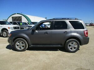 2009 Ford Escape Limited Lthr Roof  SYNC AWD MOVING SALE