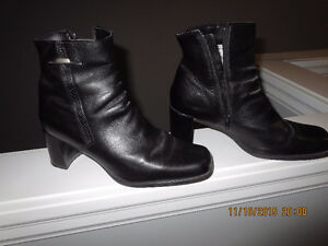 LADIES BLACK LEATHER BOOT- $25.00 - SIZE 9 1/2 B