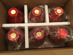 6 Holiday vases. Red glass with gold hearts. New never used.