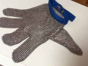 Stainless butcher's chain mail glove