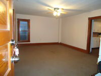 Bright, Spacious 3 Bdrm Apt, 304 Lincoln, utilities included