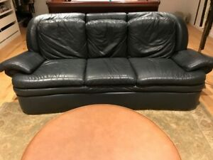 Sofa et causeuse -Vrais cuire/ Sofa and loveseat- Real leather