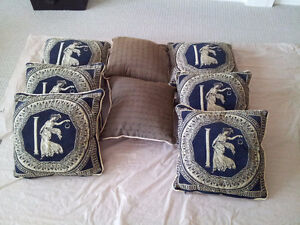 Set of 8 decorative accent pillows Brand new London Ontario image 1