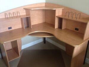Good Quality Corner Desk