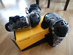 Thor Force Knee Guards Snowmobile Snowboard safety equipment