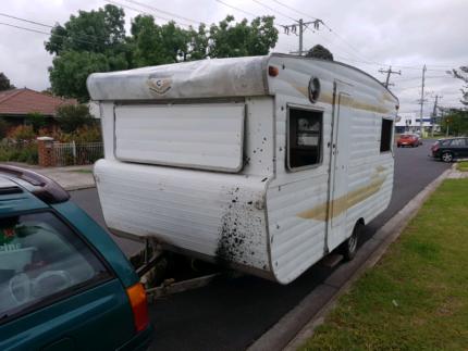 80723e002f Caravan shell 15ft unreg suit Restoration