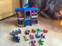 Imaginext Gotham City & 10 imaginext figures