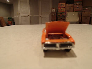 Loose Hot Wheels LE WHIPS Team Baurtwell '69 Dodge Charger orang Sarnia Sarnia Area image 3
