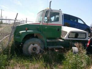 2001 Freightliner FL106 Detroit S-50 Parts Outing