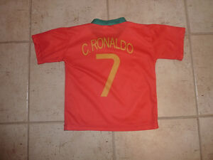 Ronaldo soccer jersey, size 4T, excellent condition Kitchener / Waterloo Kitchener Area image 2