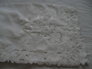 Tablecloth white polyester new