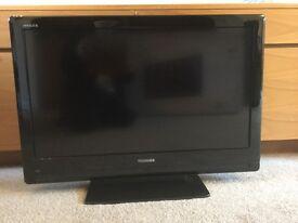 "32"" Toshiba LCD Full-HD TV"