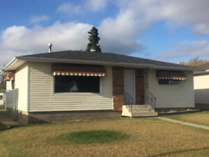 Brand new interior in this 3 bedroom bungalow, great location