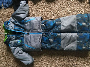 Large lot of Toddler Boy winter/fall clothes, and summer too!