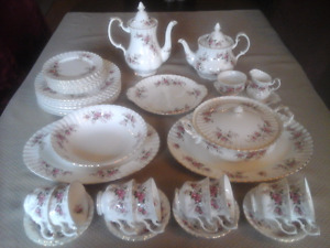 FINE BONE CHINA DINNER SET-8, TEA  - LAVENDER ROSE  ROYAL ALBERT