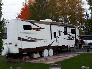 Fifth wheel Laredo 335TG - 38 pieds - 2 chambres