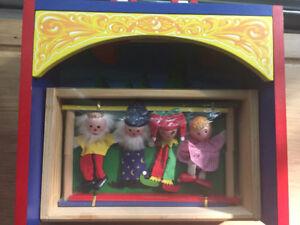 CHRISTMAS? MELISSA & DOUG TABLE TOP PUPPET THEATRE