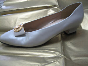 Shoes - champagne London Ontario image 1