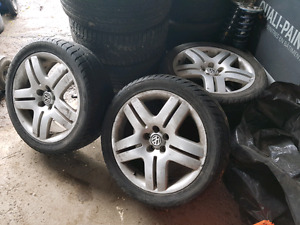 """Vw 17"""" longbeach rims with tires ! Great condition! O.e.m"""