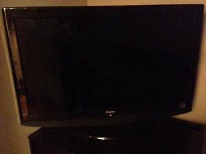 "32"" 1080p Flat Screen LCD TV"