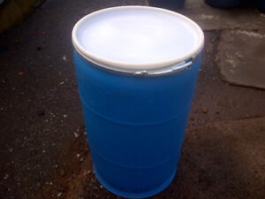 FOOD GRADE PLASTIC SHIPPING BARRELS