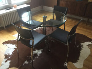 "36"" Modern Glass Table & 4 Chairs"