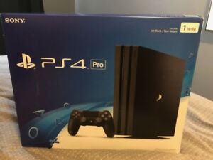 PS/4 Pro - with VR - Headset - 2 games - MINT in boxes