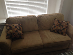 """Comfy apartment size couch, very good condition (80"""" long)"""