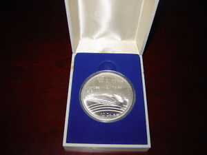 1976 Montreal Olympics $10 Coin Rare Velodrome issue