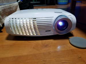 Optoma HD20 1080p Projector