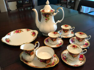 Old Country Roses Coffee Set
