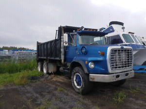 1985 Ford dump truck for sale