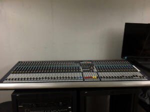 Turnkey FOH Mixer and FX Rack