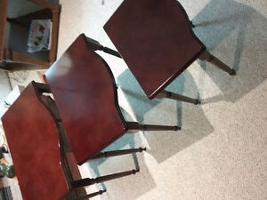 Beautiful mahogany stain nesting tables.