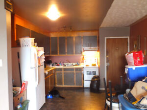 Andrew St Beautiful 2 bedroom BDRM, Parking, Laundry- May 1st