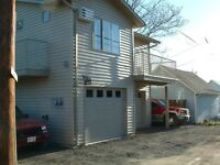 1 bedroom carriage house with garage