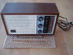 Vintage 1966 Admiral Transonic Mark I Table Top AM/FM Radio