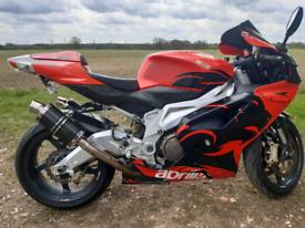 Aprilia RSV1000R 2005
