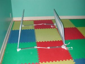 Double barrière de lit de sécurité