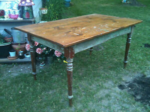 Antique pine harvest table pickup in Miland