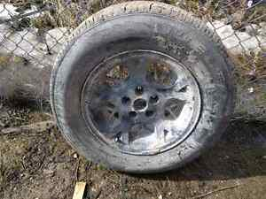 *LOW KMs* Bridgestone Dueler  225/70R16  tires Jeep 5x4.5 rims
