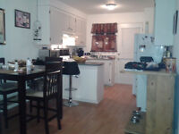 4 1/2- Cozy APT, 2nd flr, ILE PERROT- available OCTOBER 1ST