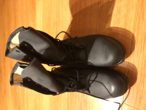 NEW GREB MENS LEATHER BOOTS SIZE 9-9 /2