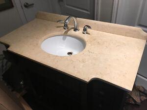 Meuble lavabo de salle de bain en bon état à donner