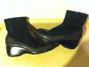 Women's Cloud 9 Boots Size 7.5